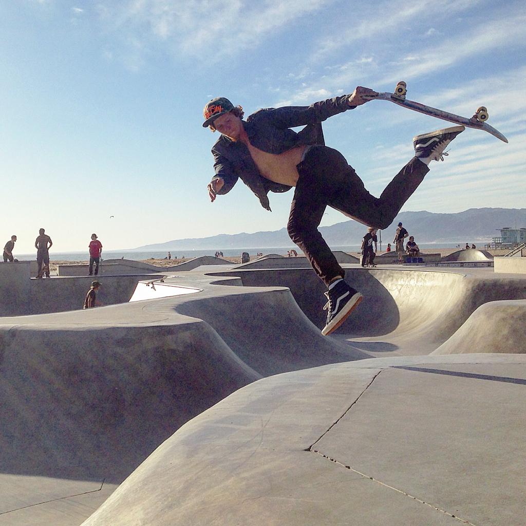 4.%20Skateboard