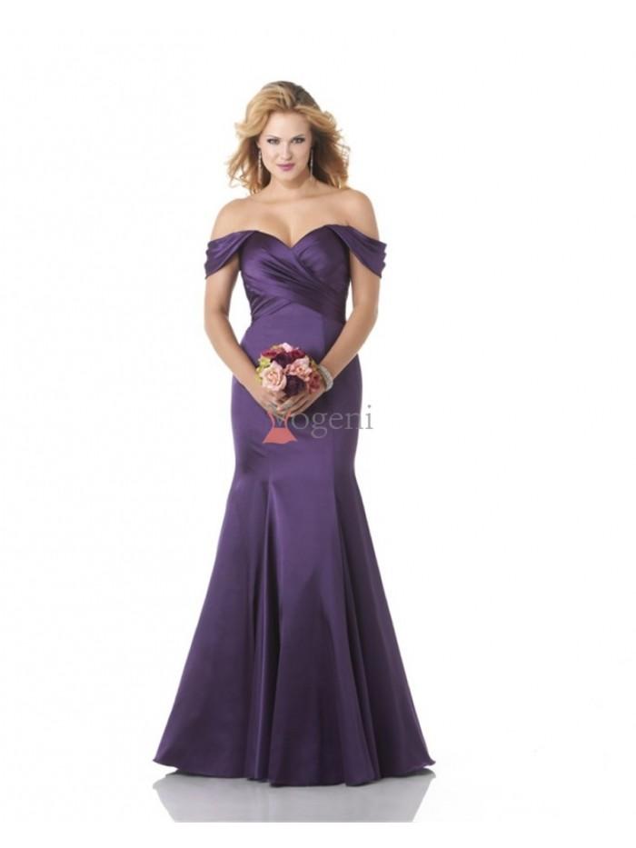 dd33179ecf25 10 tips för att köpa en balklänning - Renew Magazine